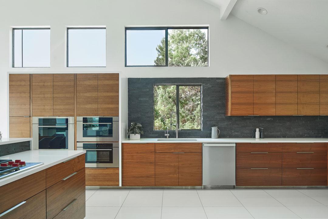 28-LF-Kitchen
