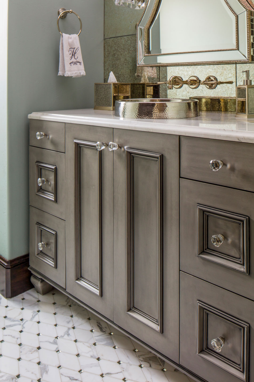 50-Hartwig-Guest-Cabinets